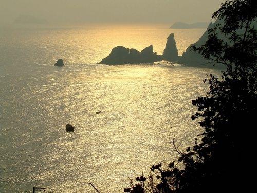 Моря между островами юго восточной