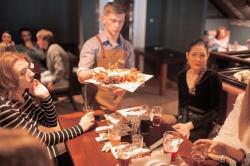 Живая музыка в ресторане «Munhell». Дуэт Владислав и Екатерина (18+)