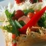 Легкий и воздушный салат в съедобных тарелочках, кулинарный мастер-класс (6+)