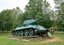 Памятник-танк Т-34/85