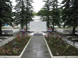 Братское захоронение героев гражданской и Великой Отечественной войны