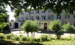 МБОУ «Средняя школа №4»,  г.Остров-3